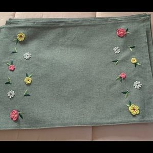 Other - Set of 6 cotton embroidered placemats
